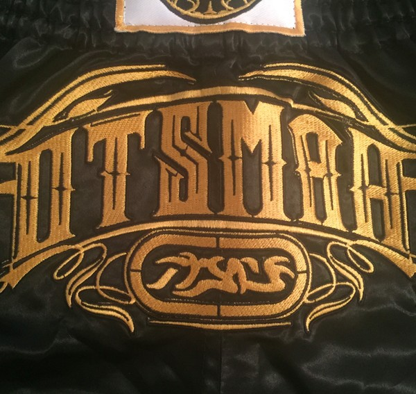 Short Boxe & Muay Black Gold 10
